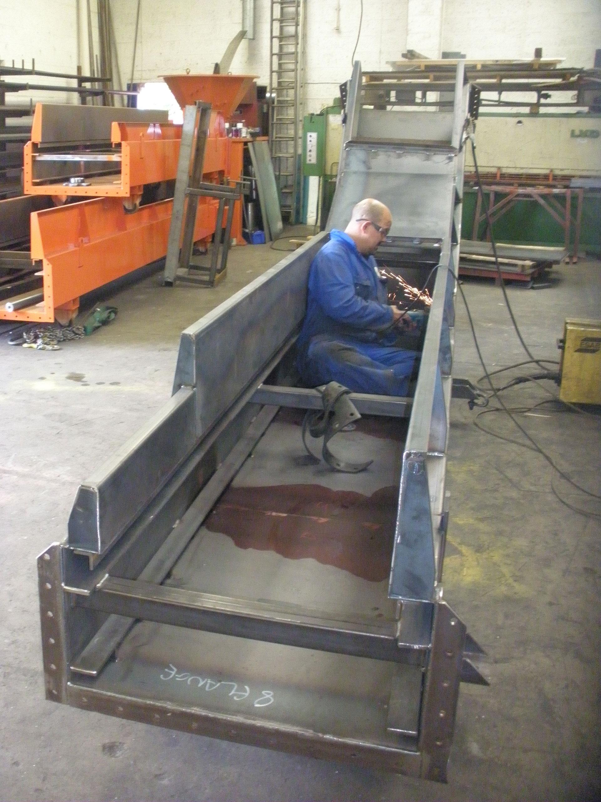 Swarf conveyor repairs